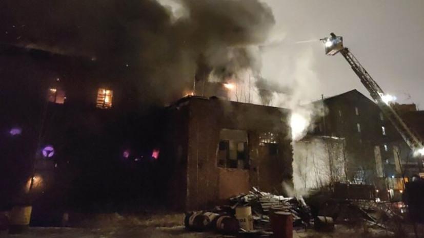 Пожар в производственном здании в Петербурге ликвидирован