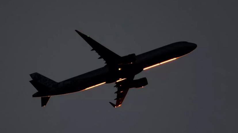 Самолёт SSJ-100 совершил аварийную посадку в аэропорту Внуково