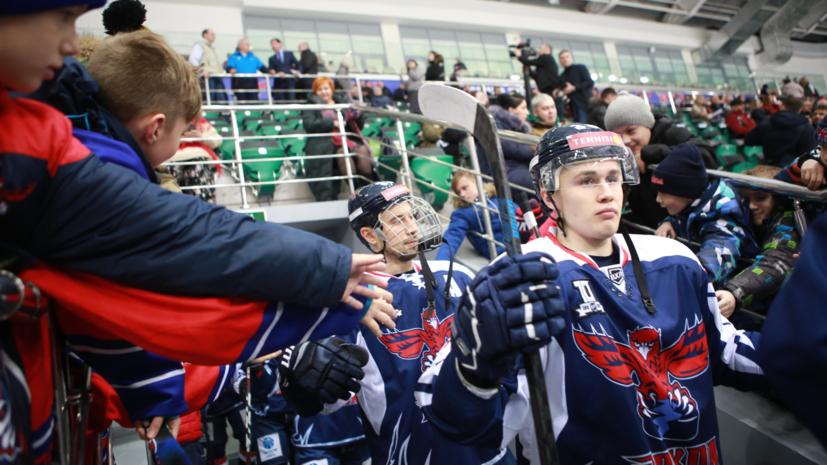 На матче ВХЛ был вывешен баннер против министра спорта Красноярского края