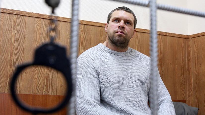 «Сказал, что сам подбросил наркотики»: экс-полицейский признал вину по делу журналиста Голунова