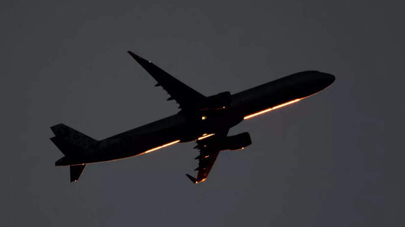 В Турции самолёт вернулся в аэропорт из-за проблем с двигателем