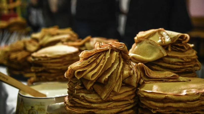 Опрос:  88% россиян планируют есть блины на Масленичной неделе