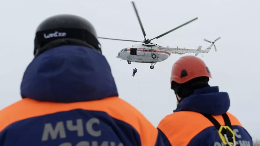 Пилот упавшего в Астраханской области вертолёта погиб