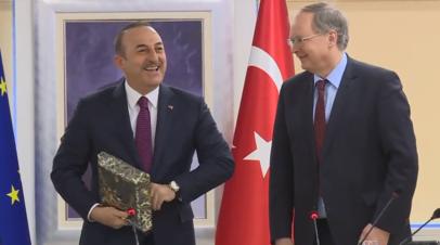 Послы европейских стран в Турции спели для Чавушоглу Happy Birthday на рабочей встрече