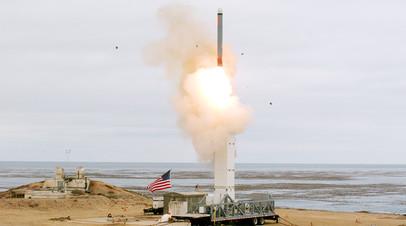 Запуск крылатой ракеты в США