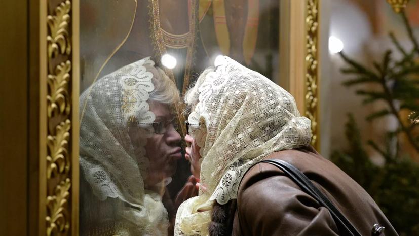 Казаки издали приказ о запрете целовать иконы в связи с коронавирусом