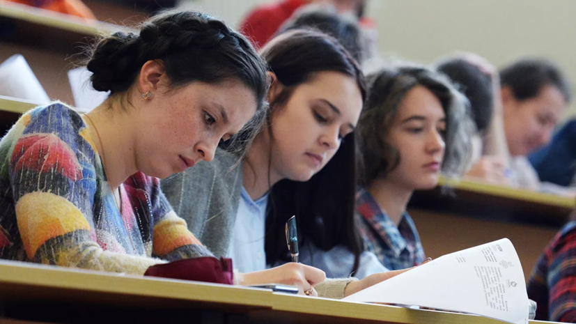 Вузы Курганской области переводят студентов на дистанционное обучение