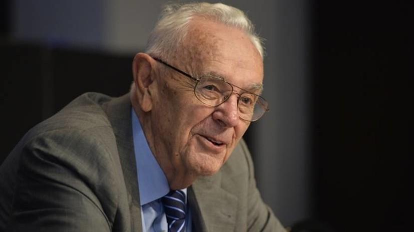 Бывший глава ФИБА Станкович умер в возрасте 94 лет