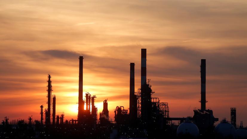 Белоусов отметил роль арабских партнёров в падении цен на нефть