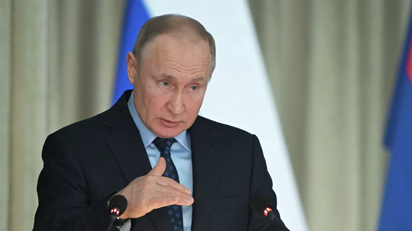 Путин призвал дать малому и среднему бизнесу отсрочку по налогам