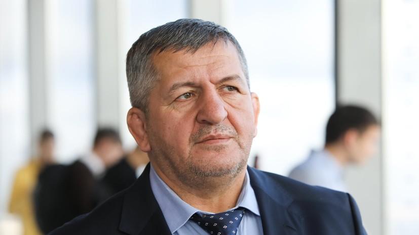 Отец Нурмагомедова заявил, что бой с Фергюсоном пройдёт не в США