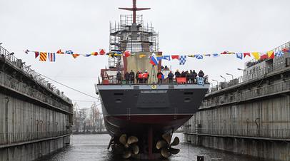 Церемония спуска на воду корвета «Ретивый» проекта 20380 в Санкт-Петербурге