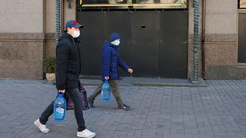 Число случаев заражения коронавирусом на Украине достигло 794