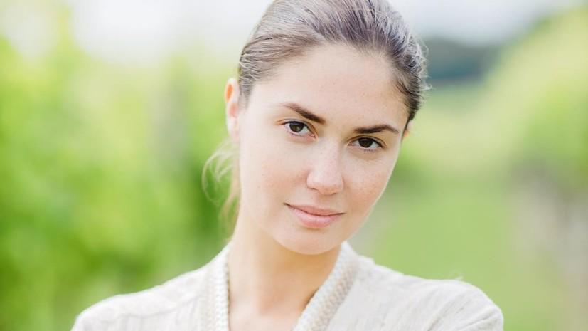 Агата Муцениеце заявила, что Павел Прилучный выгоняет её с детьми из дома