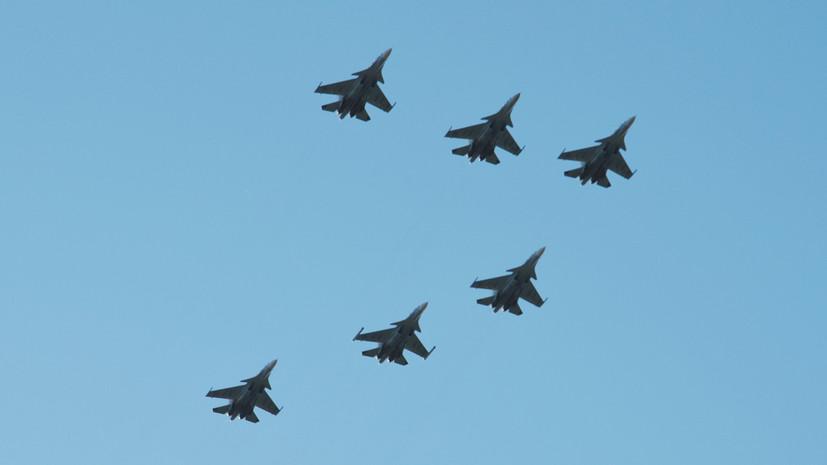 Российские летчики провели воздушный Парад Победы в Сирии