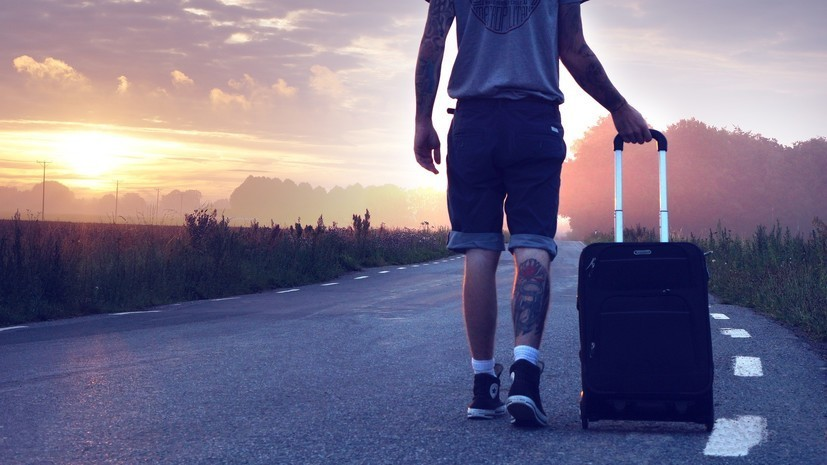 Опрос: почти 26% россиян рассчитывают на летний отпуск за границей