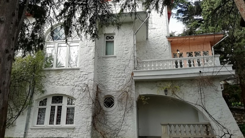 Белая дача Чехова в Ялте представила выставки в 3D-формате