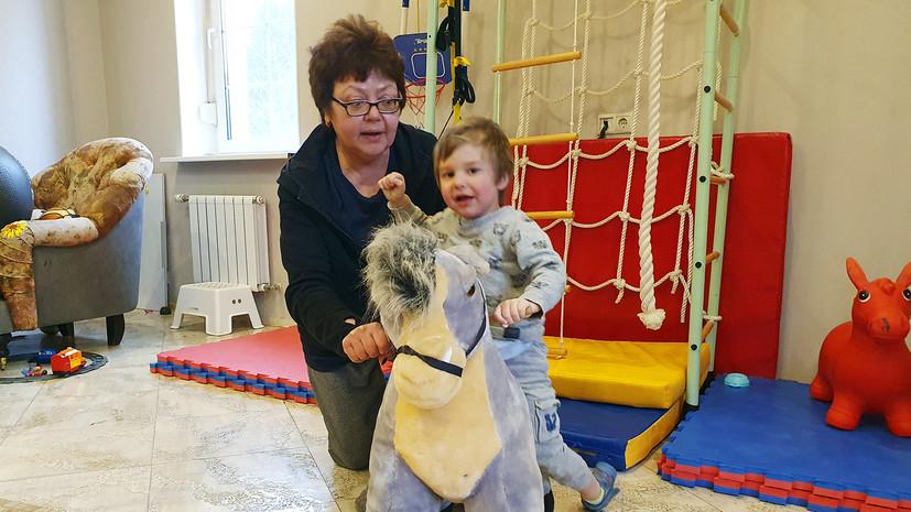Заложник правовой системы: кто и почему не даёт лечить двухлетнего Сашу Сергеева
