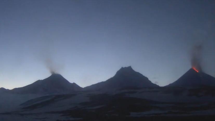 Извержение вулкана Ключевской на Камчатке — видео