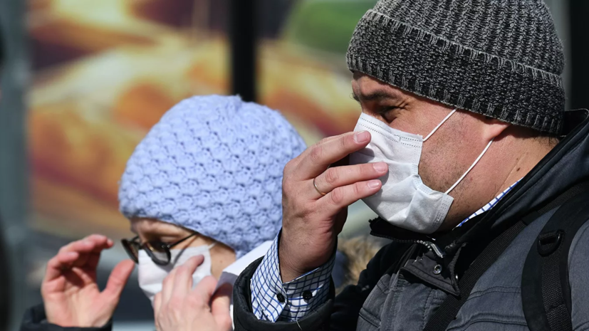 Эпидемиолог выступил за продление ограничительных мер в России