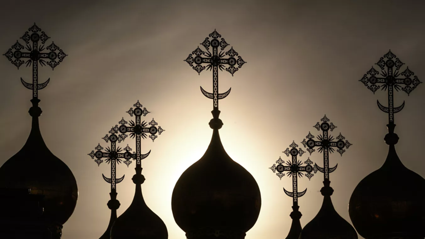 В РПЦ призвали молиться за борющихся с коронавирусом врачей