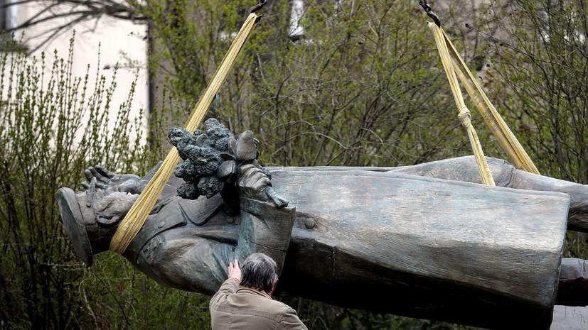 Инициатор демонтажа памятника Коневу обратился к главе ЕК из-за России