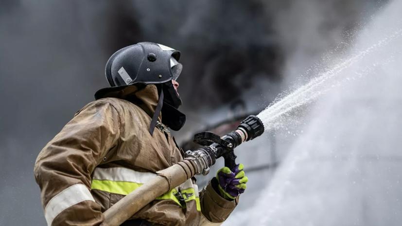 Шесть человек погибли при пожаре в деревне в Башкирии