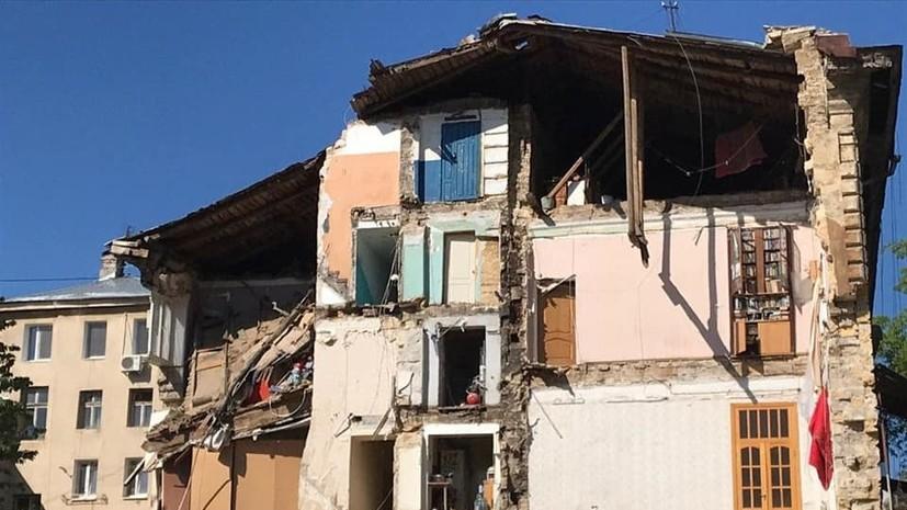В Одессе обрушилась стена пятиэтажного жилого дома