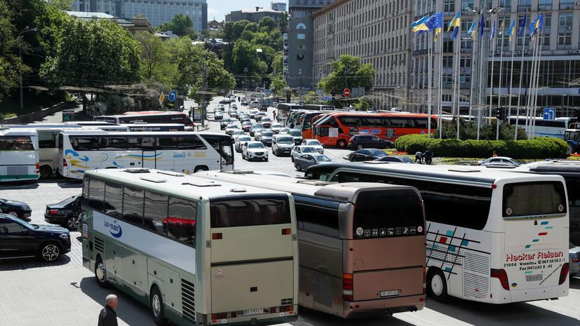 В Киеве возобновили работу наземного общественного транспорта