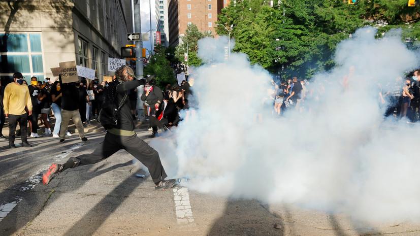В Миннеаполисе полиция распылила слезоточивый газ на журналистов