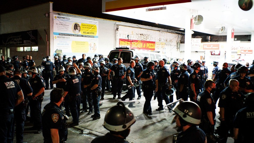 AP: полиция США арестовала почти 1700 человек за время протестов