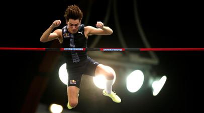 Дюплантис и Лавиллени поделили первое место на домашних соревнованиях по прыжкам с шестом