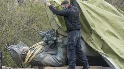 Демонтированная статуя Ивана Конева