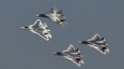 Звено самолётов Су-57