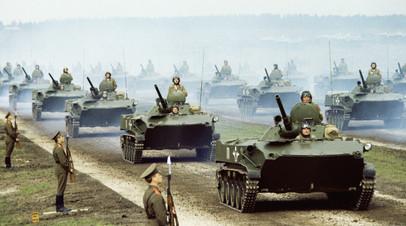 Полевой смотр войск во время учений  ОВД «Запад-81»