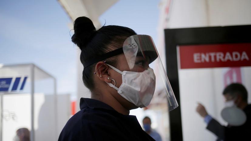 В метро Мехико попросили молчать, чтобы не распространять COVID-19