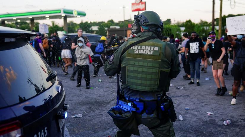 «Сложный клубок проблем»: почему в США не прекращаются протесты против расизма и полицейского насилия