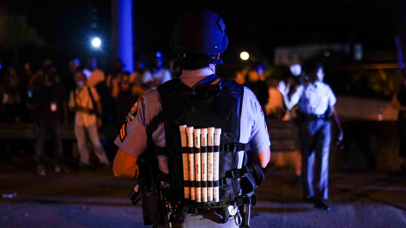 В Атланте уволили полицейского, который застрелил темнокожего мужчину