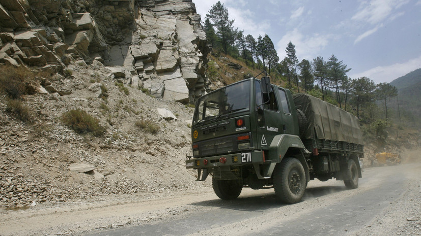 МИД КНР и Индии договорились справедливо решить инцидент на границе