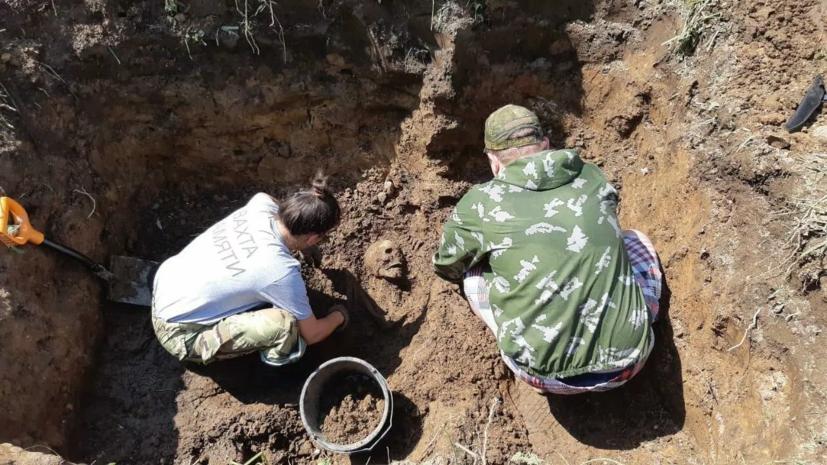 Поисковики нашли захоронение жертв концлагеря в Псковской области