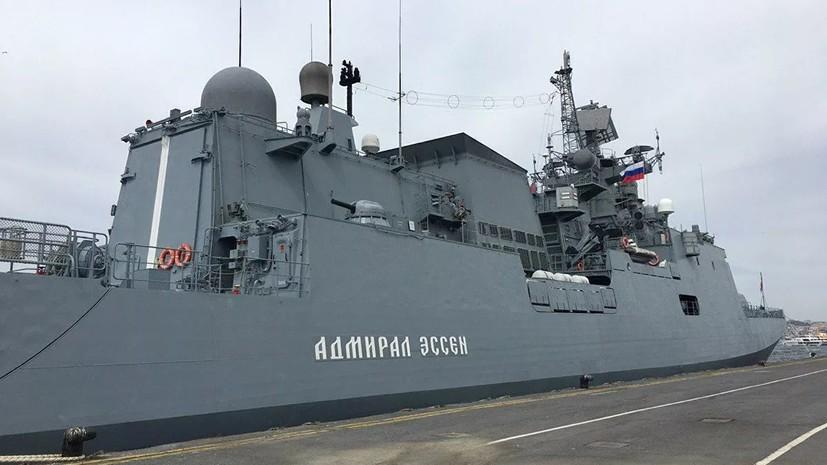 Корабли ЧФ выстраиваются в парадную линию в Севастополе
