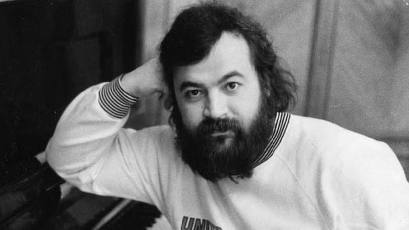 Умер экс-участник группы«Альянс» Олег Парастаев