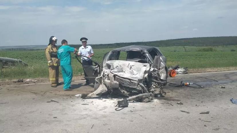 Шесть человек погибли при столкновении двух автомобилей под Липецком