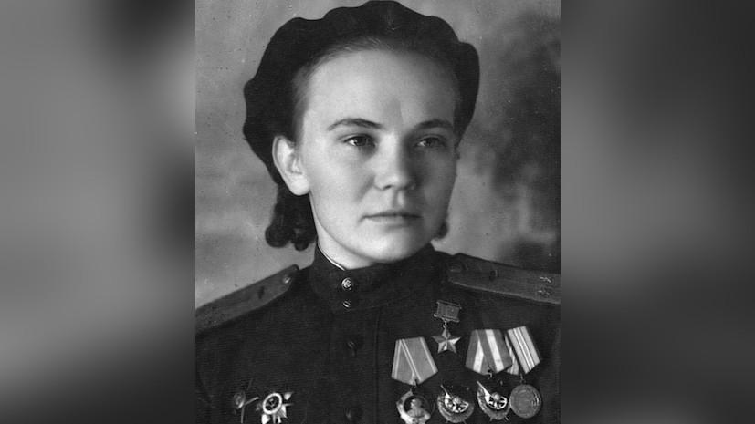 В Ижевске открыли памятную доску советской лётчице Нине Ульяненко