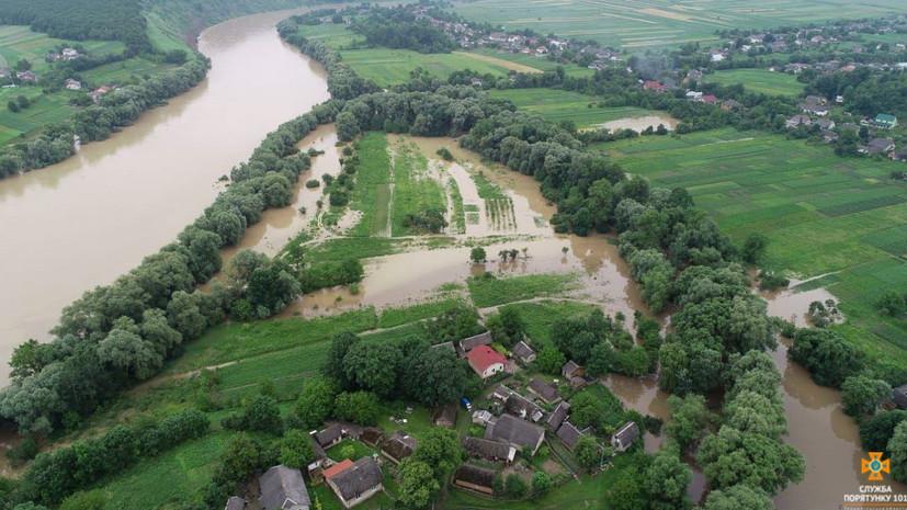 Украина запросила помощь у НАТО и ЕС из-за наводнений в стране