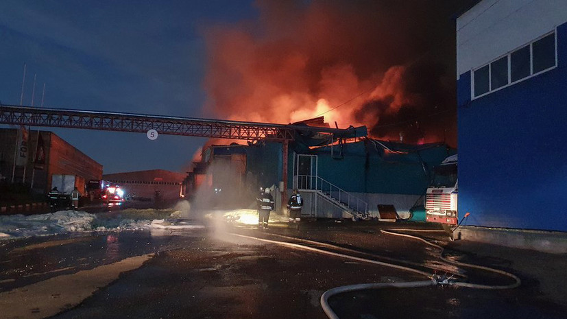 Пожар в ангаре в Подольске локализован
