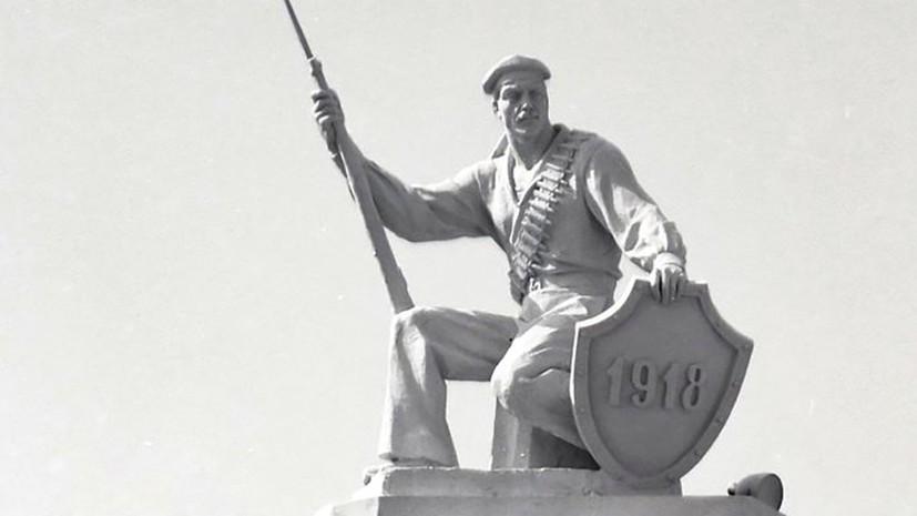 На ВДНХ отреставрируют знаменитую скульптуру матроса