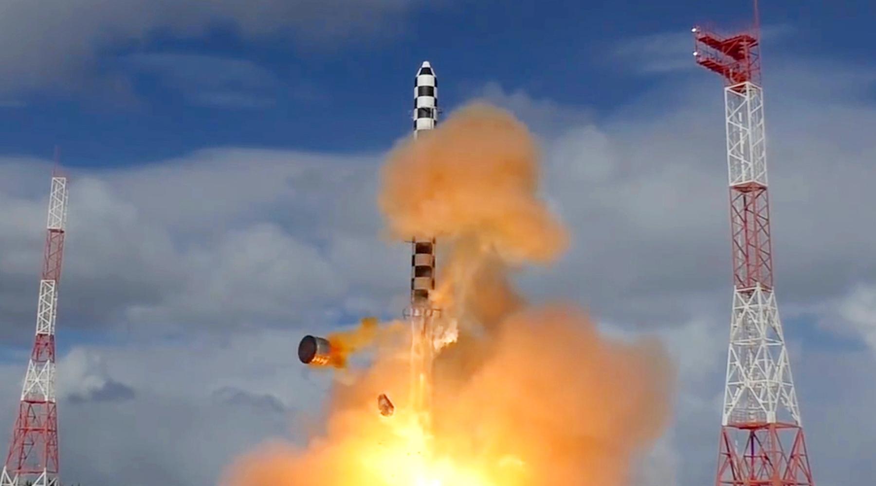 «Носит оборонительный характер»: Путин утвердил условие использования Россией ядерного оружия