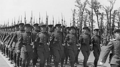 Воины ГСОВГ на параде Победы в Берлине, 8 мая 1946 года