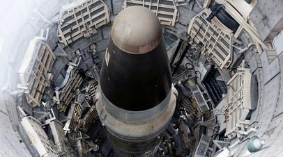Баллистическая ракета США с ядерной боеголовкой